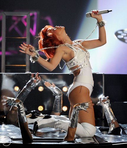 Rihanna - Billboard muziki Awards - Performance - May 22, 2011