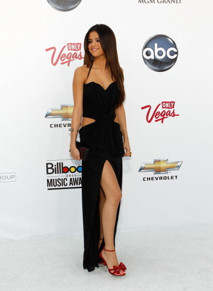 selena gomez and justin bieber 2011 billboard awards. Selena - 2011 Billboard Music
