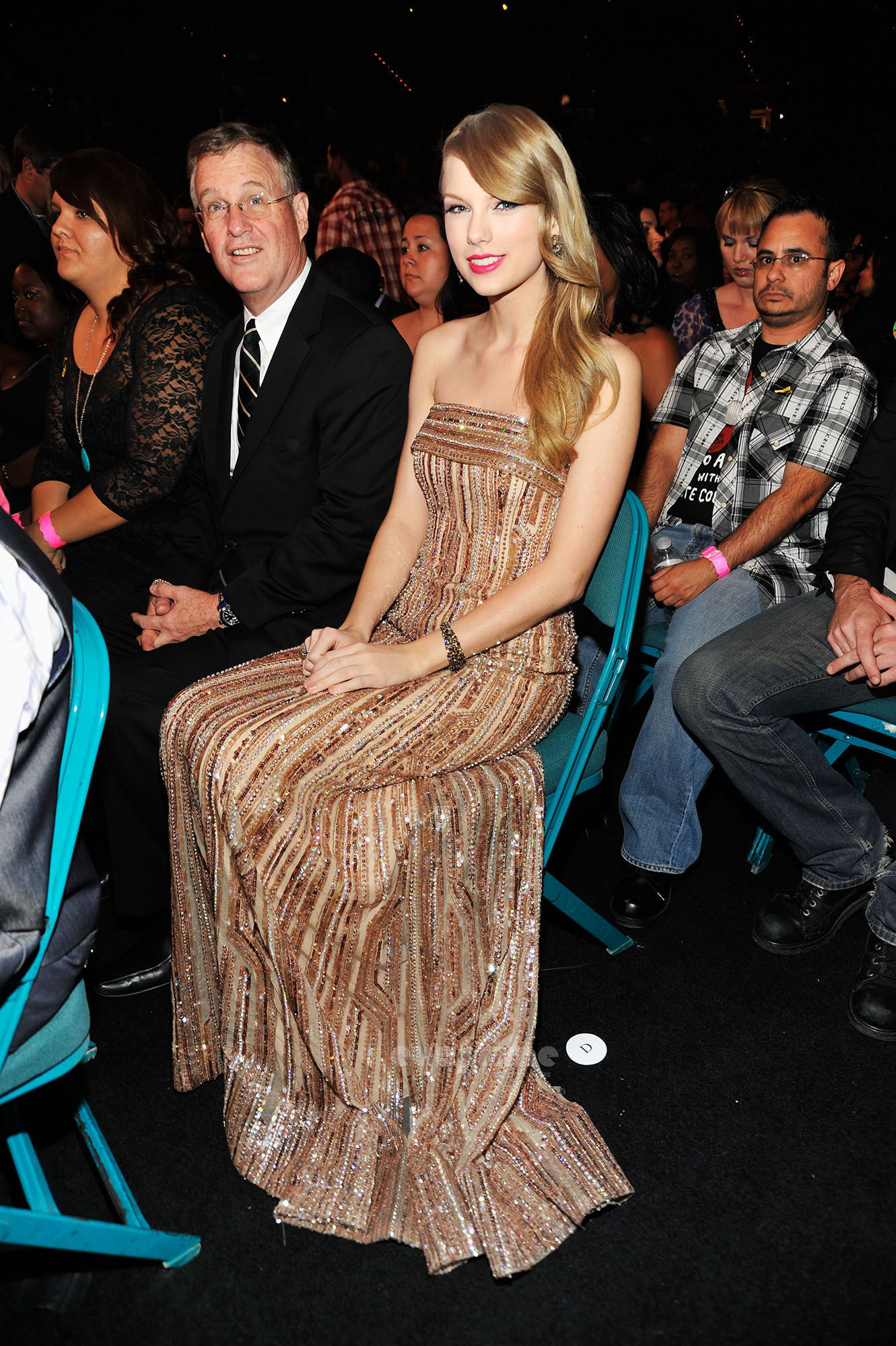 Selena Gomez & Taylor Swift: 2011 Billboard Music Awards