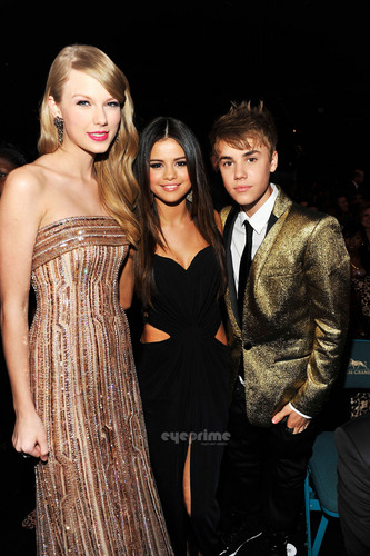 Selena Gomez & Taylor Swift: 2011 Billboard música Awards