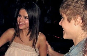 "Selena Gomez films her संगीत Video ""Love आप Like A प्यार Song"" Justin bieber yeasteday w. selena"
