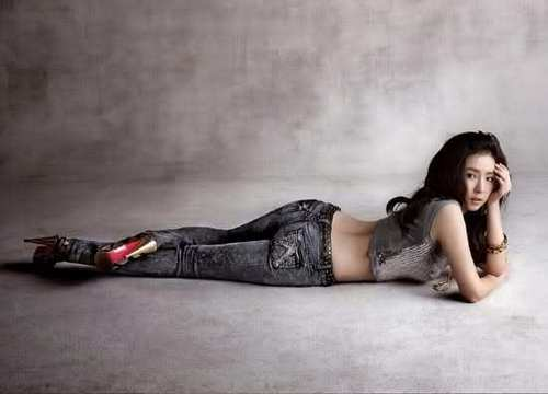 Shin Se Kyung wallpaper possibly containing a hip boot and skin titled Shin Se Kyung - For Buckaroo Jeans