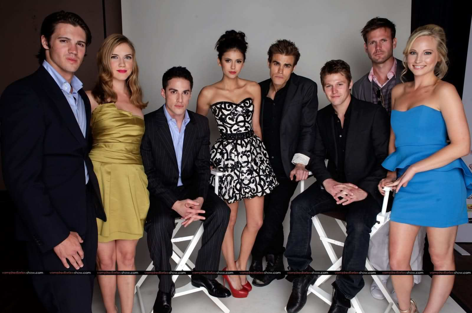 Vampire diaries stars dating in real life