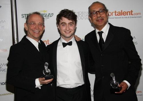 Drama стол письменный, стол Awards 2011