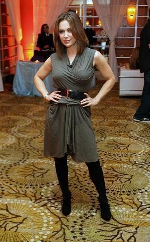 Alyssa Milano - Glade Дизайн and Shine charity, October 13, 2010