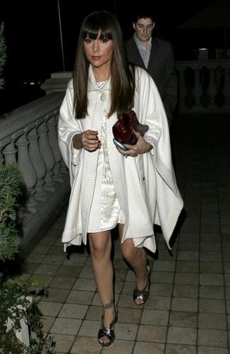Alyssa Milano - Out with her fiancé David Bugliari, January 10, 2010