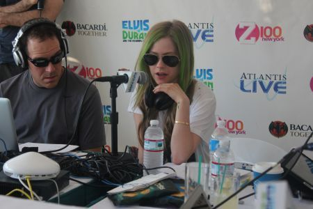 Avril Lavigne - Z100 Interview with Elvis Duran! - avril-lavigne photo