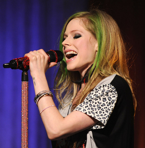 Avril Lavigne wallpaper probably with a concert entitled Avril's Visit at the AOL Sessions Studios!