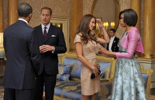Kate Middleton वॉलपेपर with a business suit, a suit, and a dress suit titled Barack and MIchelle Obama Meet Prince William and Kate Middleton