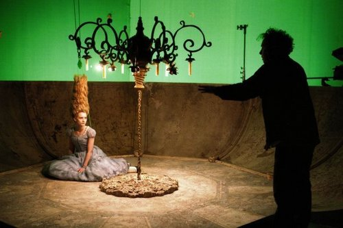 Alice au Pays des Merveilles (2010) fond d'écran probably containing a floor lamp called Behind the scenes