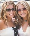 Calender 2003 - mary-kate-and-ashley-olsen photo