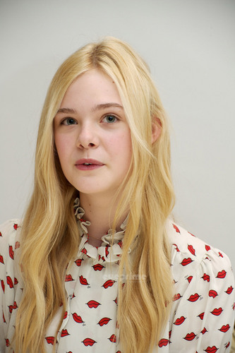 "Elle Fanning: ""Super 8″ Press Conference"