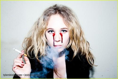 Emma Roberts & Juno Temple Shed Glitter Tears