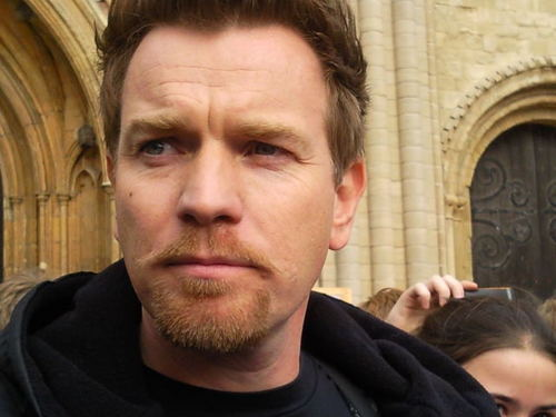 Ewan McGregor fondo de pantalla probably with a calle titled Ewan McGregor