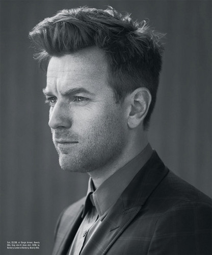Ewan McGregor দেওয়ালপত্র containing a business suit titled Ewan McGregor