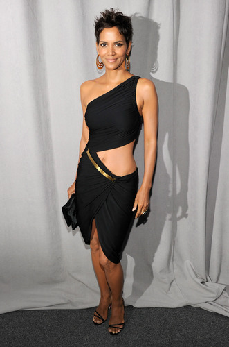 Halle Berry: 2011 FiFi Awards