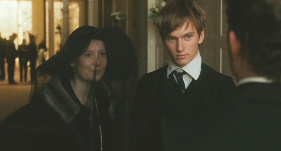Henry hopper and mia wasikowska dating 6