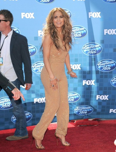 Jennifer - American Idol 2011 Finale - May 26, 2011