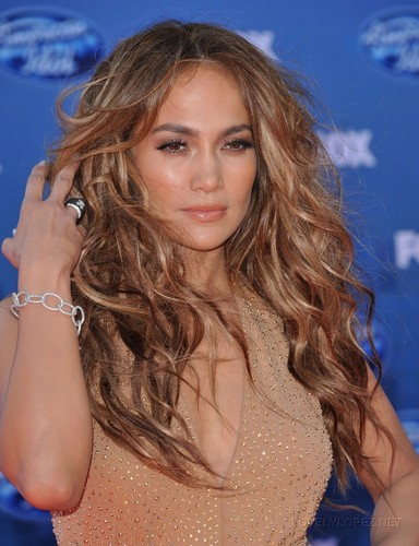 Jennifer - American Idol 2011 Finale - May 26, 2011