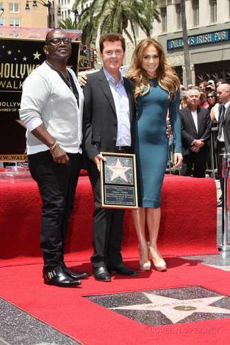 Jennifer - Simon Fuller's Hollywood Walk of Fame ceremony - May 23, 2011
