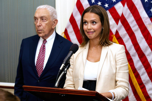 Jessica Alba: veilig Chemicals Act Press Conference