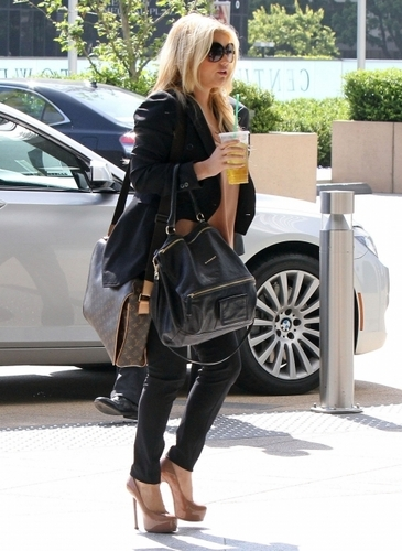 Jessica - At Lawyer's Office,Los Angeles - May 25, 2011