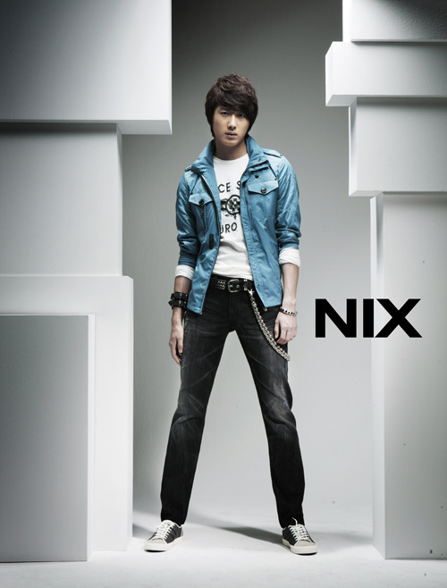 http://images4.fanpop.com/image/photos/22300000/Jung-il-woo-jung-il-woo-22330470-500-658.jpg