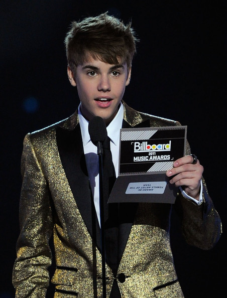 justin bieber selena gomez billboard music awards. justin bieber selena gomez