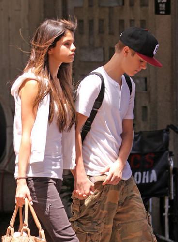 Justin Bieber Selena Gomez hawaii