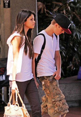 Justin & Selena in Hawaii