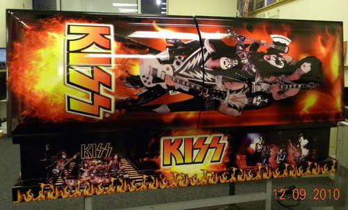 Kiss casket