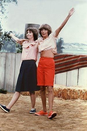 Laverne & Shirley wallpaper titled Laverne & Shirley