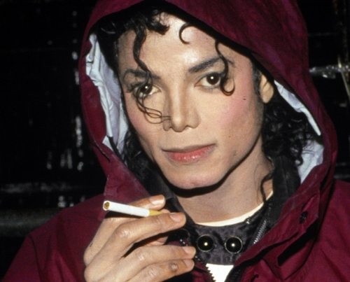 Michael Jackson Hintergrund with a hood, a cloak, and a wimple titled Michael Jackson