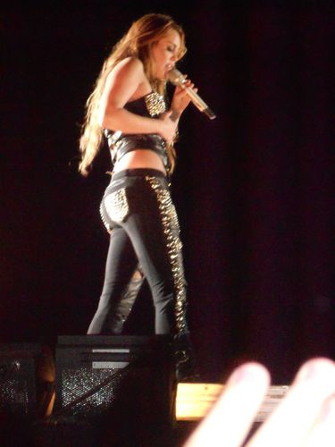 Miley - Gypsy ハート, 心 Tour (2011) On Stage Bogota, Colombia - 19th May 2011