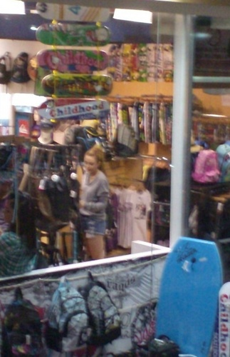Miley - Shopping in Caracas, Venezuela (18th May 2011)