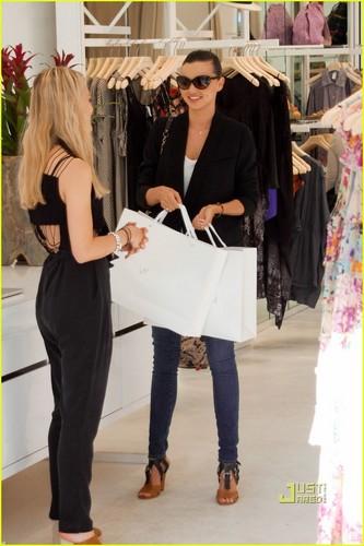 Miranda Kerr: Zimmermann Shopping Spree!