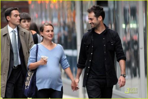 Natalie Portman & Benjamin Millepied: Kissy avondeten, diner datum