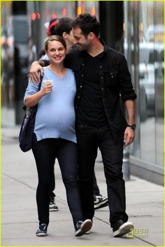 Natalie Portman & Benjamin Millepied: Kissy bữa tối, bữa ăn tối ngày