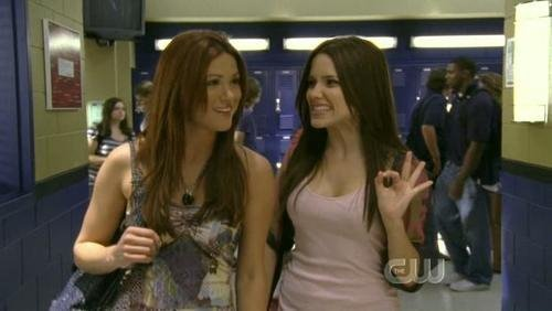 OTH Chicks! <3