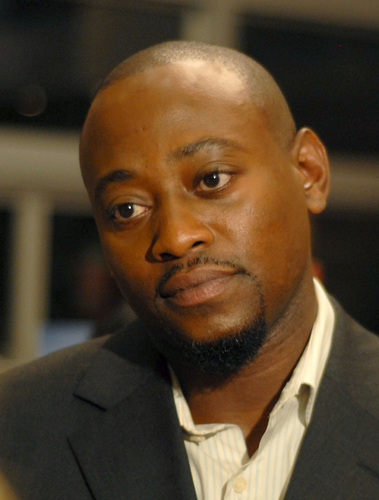 Omar Epps wallpaper containing a business suit titled Omar Epps