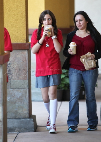 Prince, Paris, And Blanket At Starbucks 5/24/2011