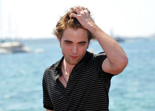 ROBERT PATTINSON THE HOT GUY