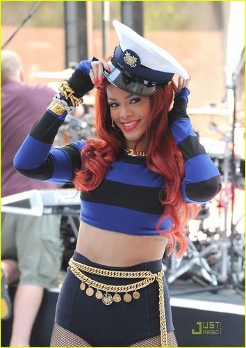 Rihanna Rocks Out in Rockefeller Plaza