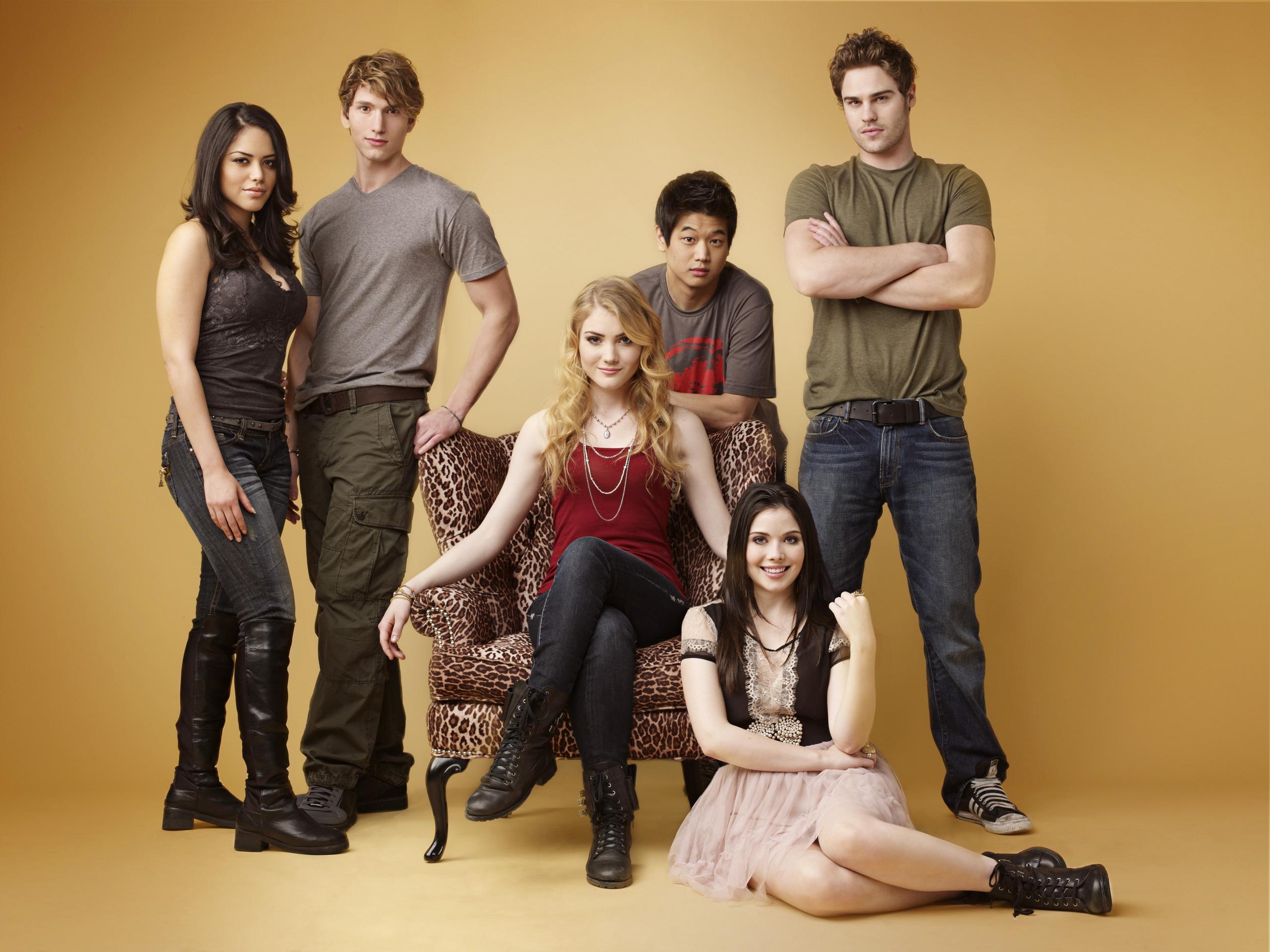 Season 1 Photoshoot (HQ) - The Nine Lives of Chloe King ...