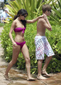 Selena Gomez in a Bikini on the beach, pwani in Maui with Justin Bieber