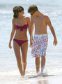 Selena Gomez in a Bikini on the समुद्र तट in Maui with Justin Bieber