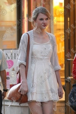 Taylor shopping at Westfield Mall