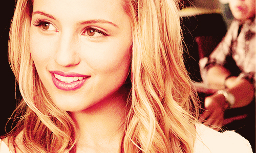 Queen April´s Relationship Dianna-dianna-agron-22381112-500-300