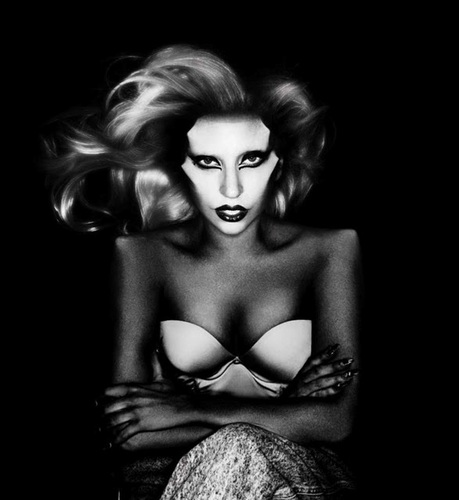 'Born This Way' Album Artwork 의해 Nick Knight