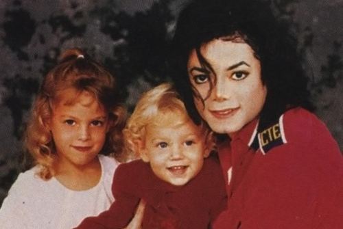 ~michael with lisa's kids~